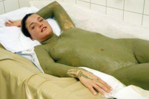 Обертывание - одна из самых известных и любимых женщинами процедур в лечении...
