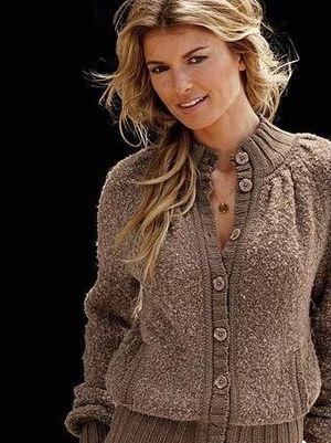"""На нашем женском портале  """"Дамочка """" Вы постоянно отыщите новость - Вязание свитера женские 2012, с фотографиями..."""