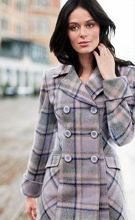 с чем носить светло серое пальто.